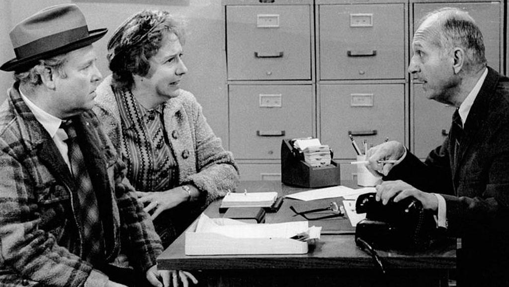 Jean Stapleton, TV's Edith Bunker, dead at 90