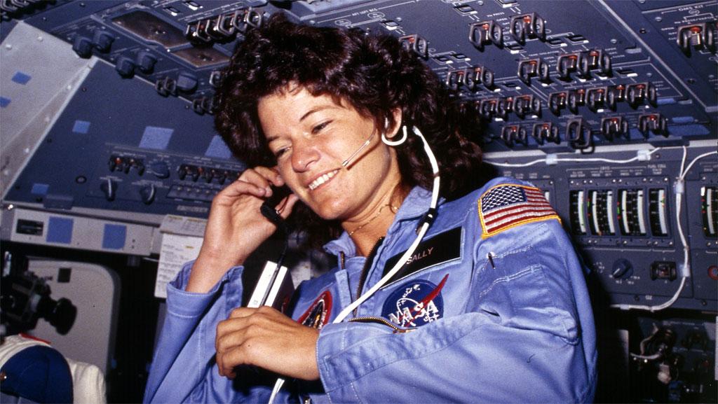 Dead Astronaut Woman Challenger - Pics about space