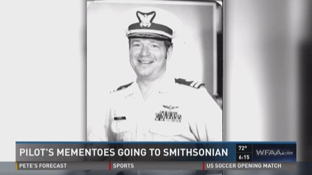 Pilot's mementoes going to Smithsonian