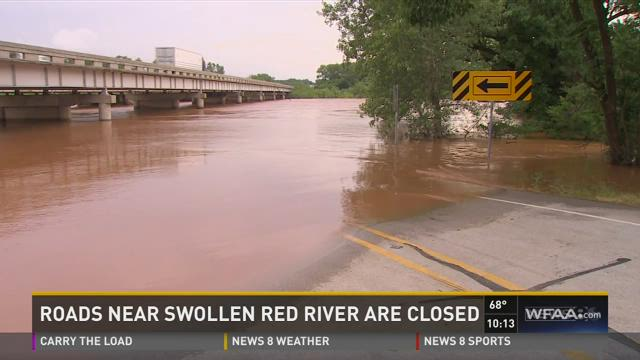 Tanya Eiserer reports from the Texas side of the Red River, which is approaching its all-time high level.