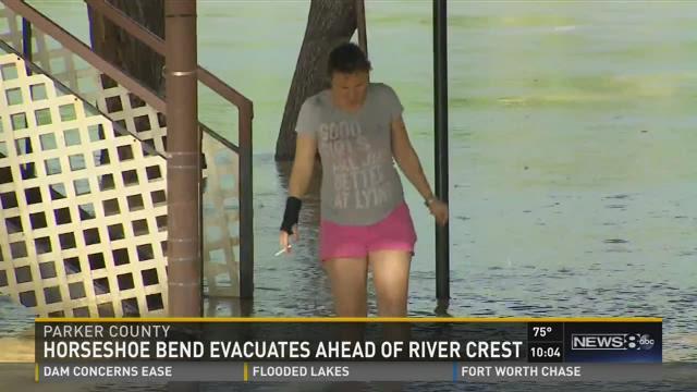Horseshoe Bend evacuates ahead of crest