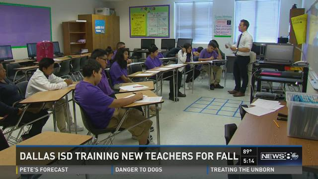 Dallas ISD training new teachers for fall