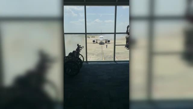 2 planes call for emergency crews at DFW airport