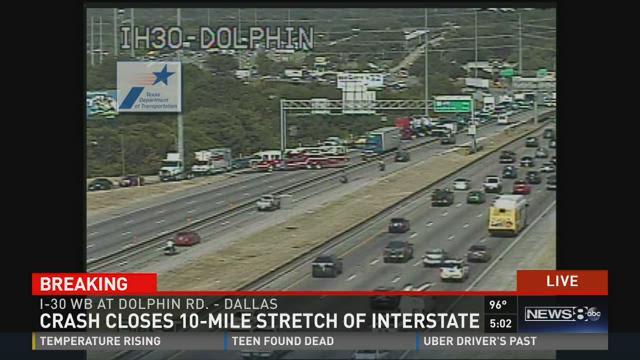 Crash closes 10-mile stretch of I-30