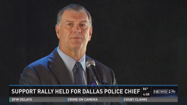 Mayor Rawlings among supporters at rally for police chief